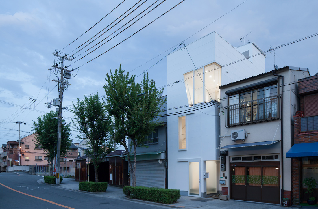 HOUSE IN TAMATSU, OSAKA, JAPAN
