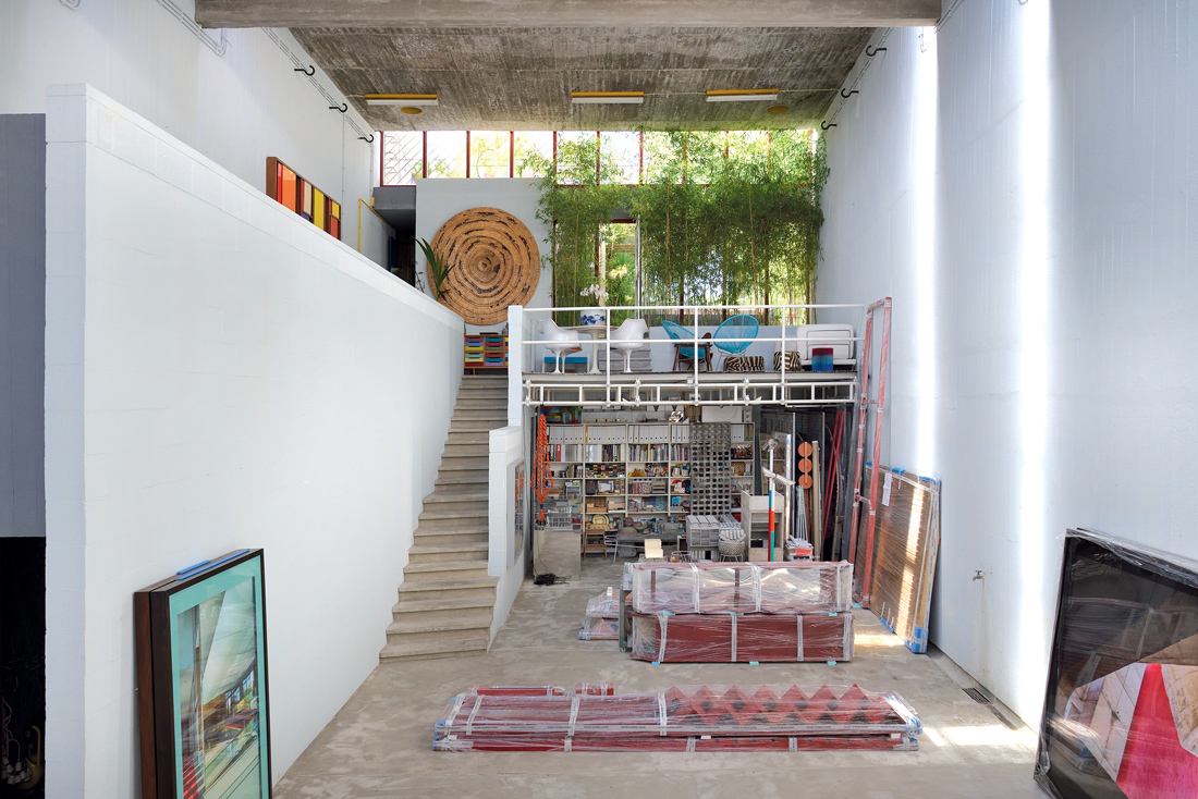 Interview with Rodrigo Oliveira in his atelier